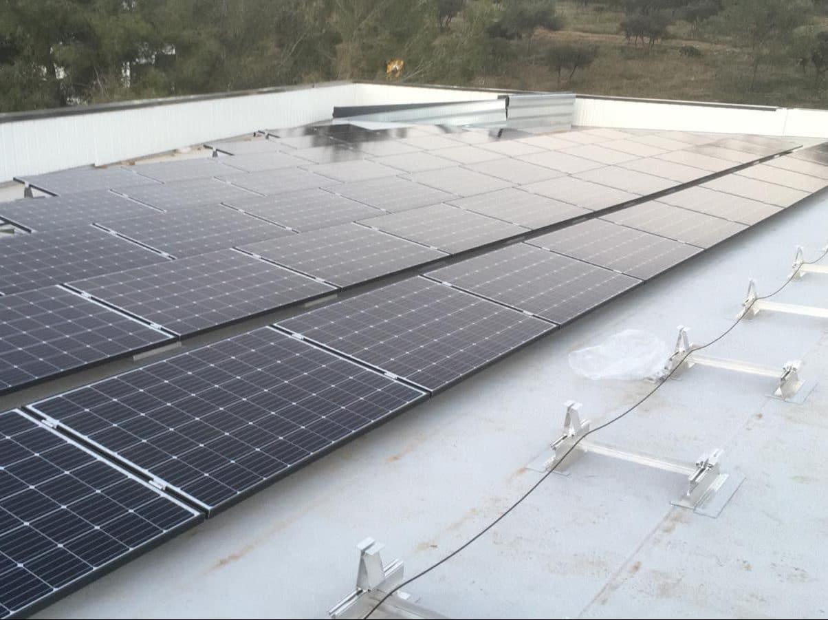 Système Domsolar - Installation sur toiture industrielle